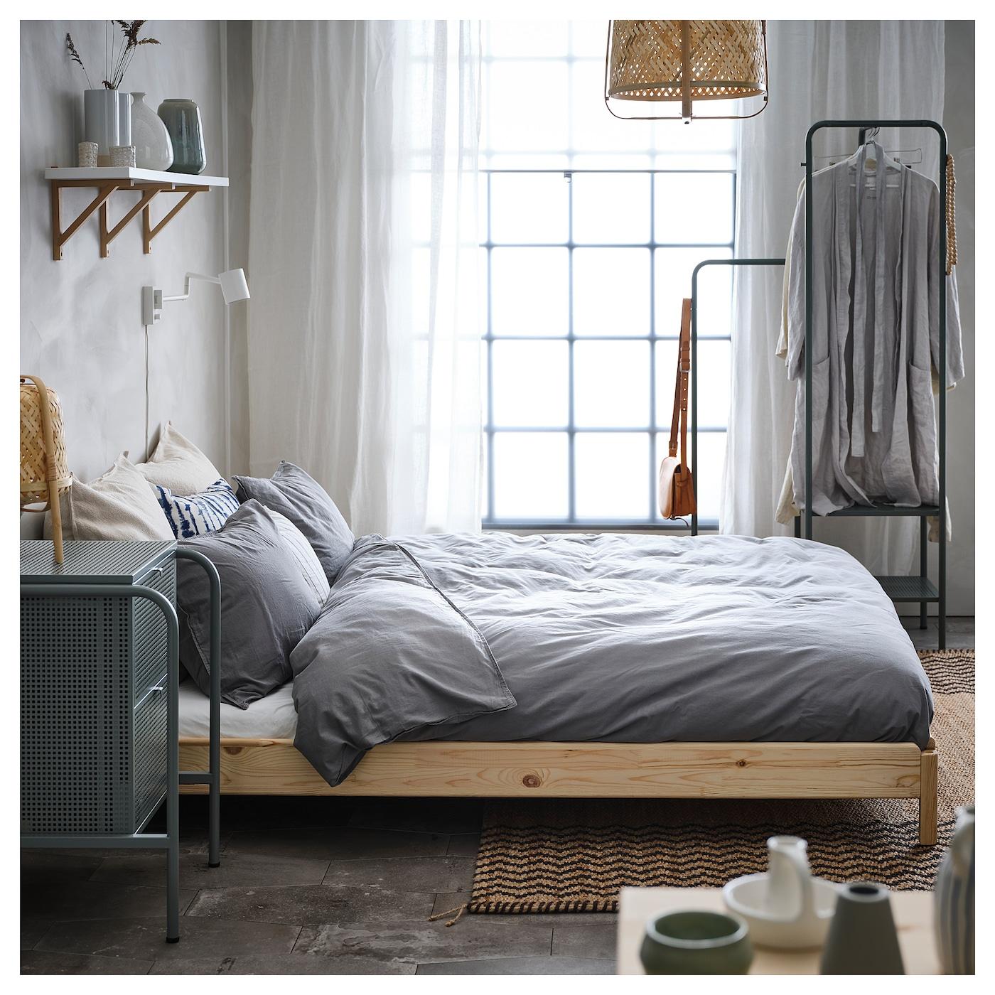 ember az ágy felállítása