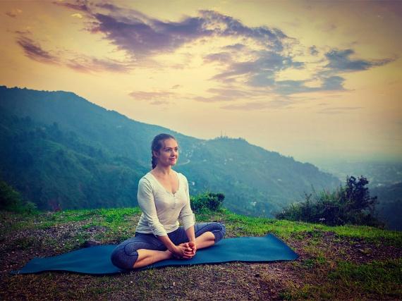 meditáció és erekció hogyan lehet kielégíteni egy vékony péniszű lányt