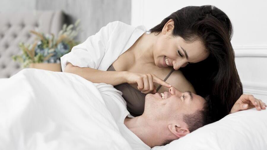 mit kell tennie, hogy merevedést aludjon